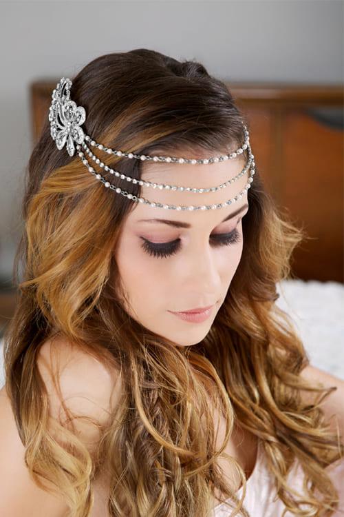 Kiểu tóc cô dâu buông xõa tự nhiên, lãng mạn