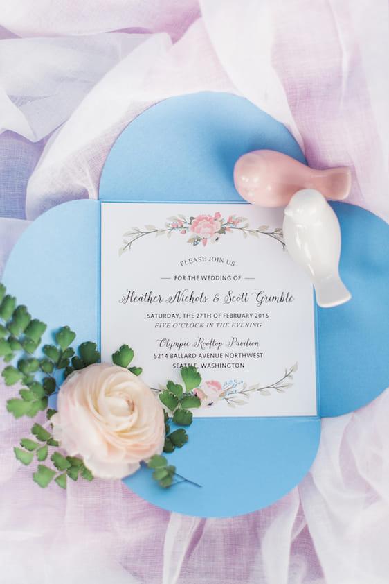 Màu hồng thạch anh và màu trời xanh thanh bình cho mùa cưới