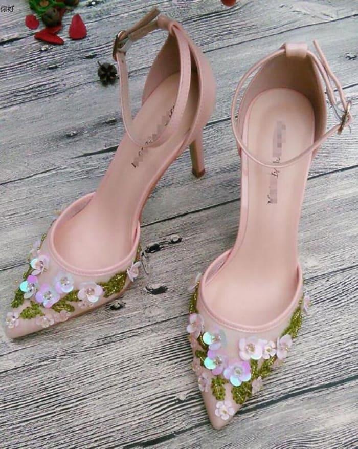 giày cưới đính hoa đẹp cho cô dâu