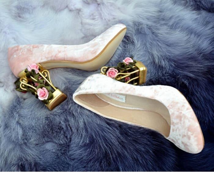 giày cưới đính hoa đẹp gót vuông