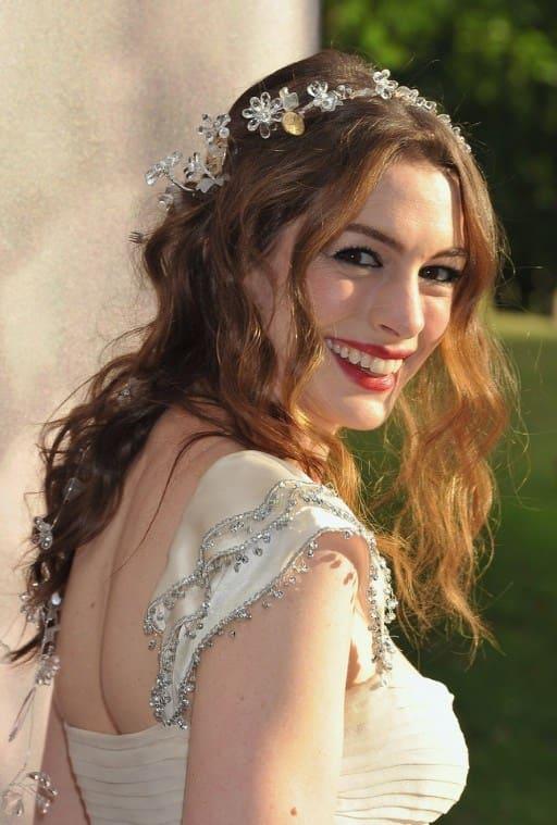 tóc cưới mới xõa đẹp tự nhiên