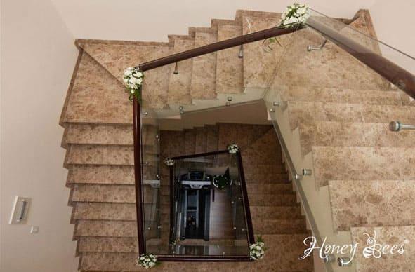 trang trí cầu thang lễ đính hôn, lễ cưới