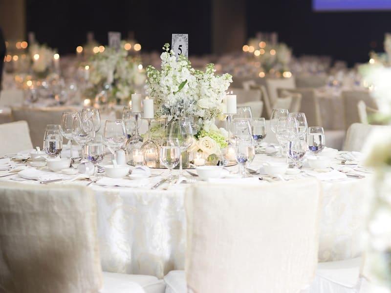 chọn hoa trang trí cưới 2