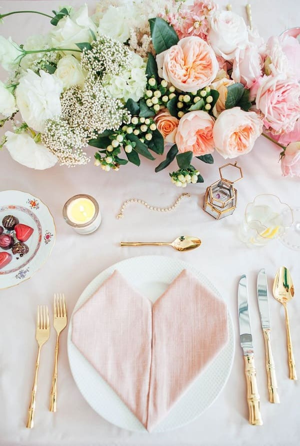 chọn hoa trang trí cưới 1