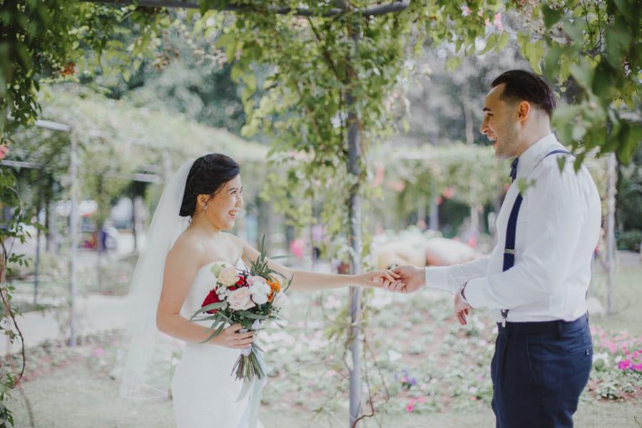 Có nên chụp ảnh pre wedding không, chụp ảnh pre wedding và chụp ảnh phóng sự cưới cái nào quan trọng hơn?, nên đầu tư ngân sách và thời gian cho việc chụp ảnh như thế nào?