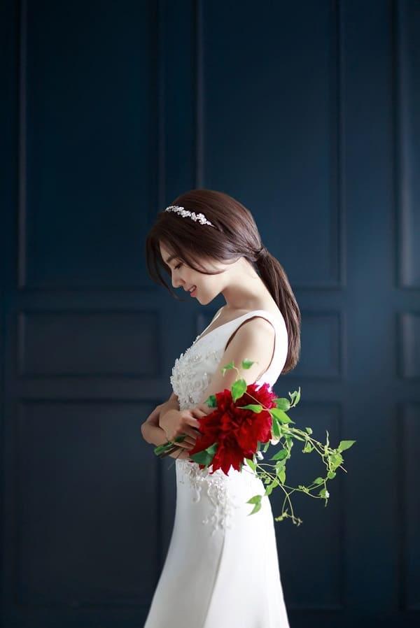 kiểu tóc cô dâu mặt tròn 6