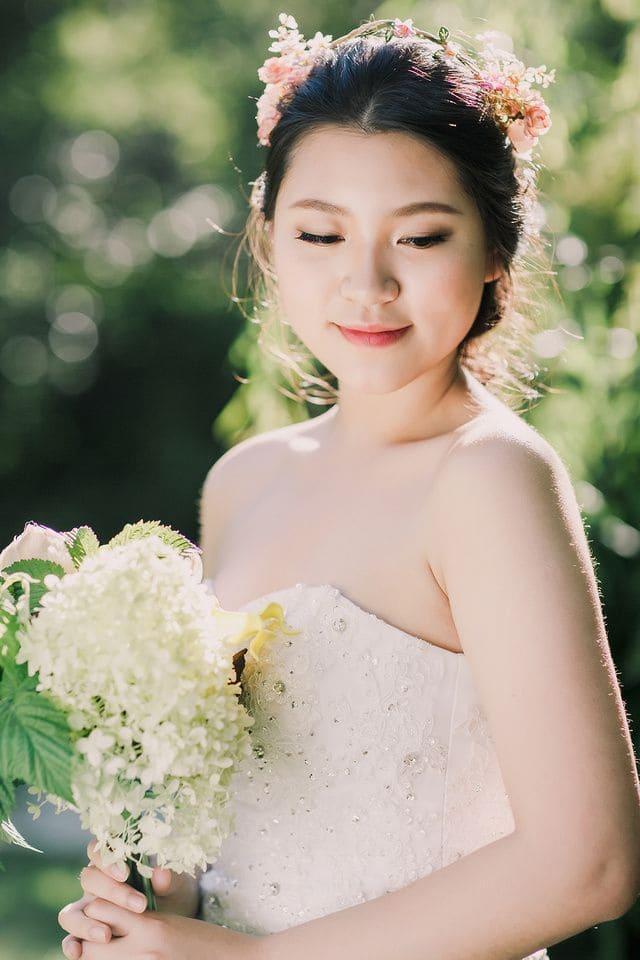kiểu tóc cô dâu mặt tròn tóc búi 2