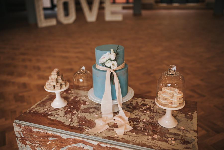 mẫu theme cưới đẹp 5