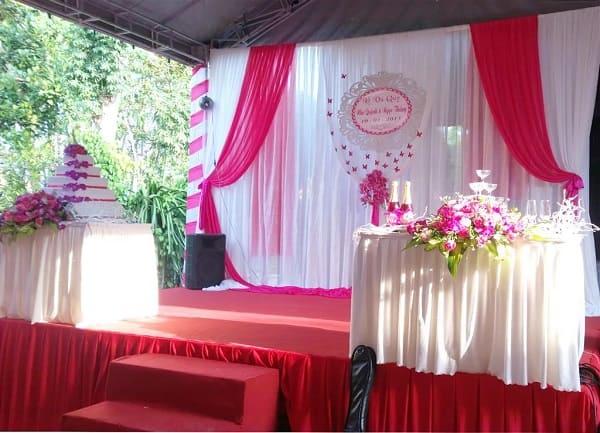 Sân khấu đám cưới tại nhà