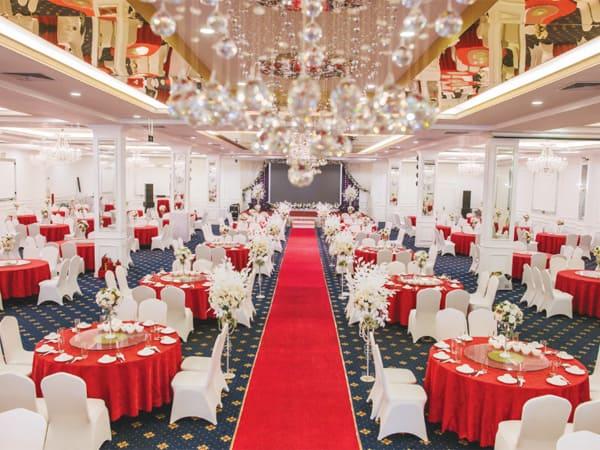 Sân khấu đám cưới 2