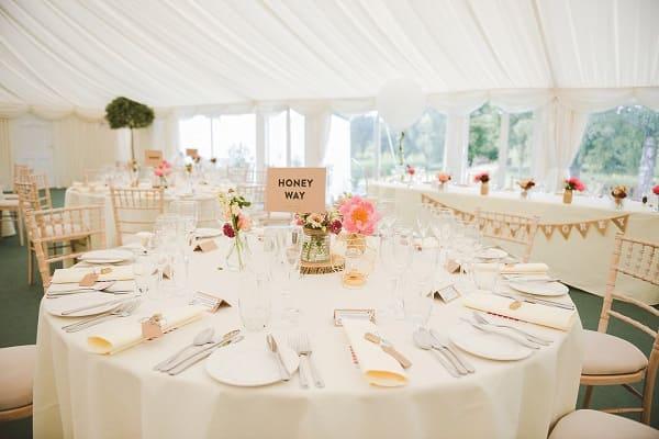 bàn tiệc cưới 1