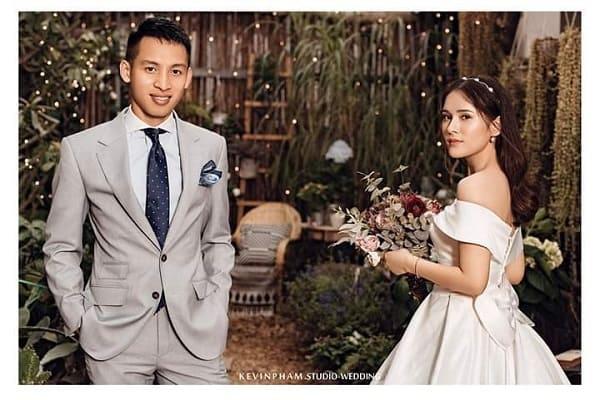 Ảnh cưới tiền vệ Đỗ Hùng Dũng 3