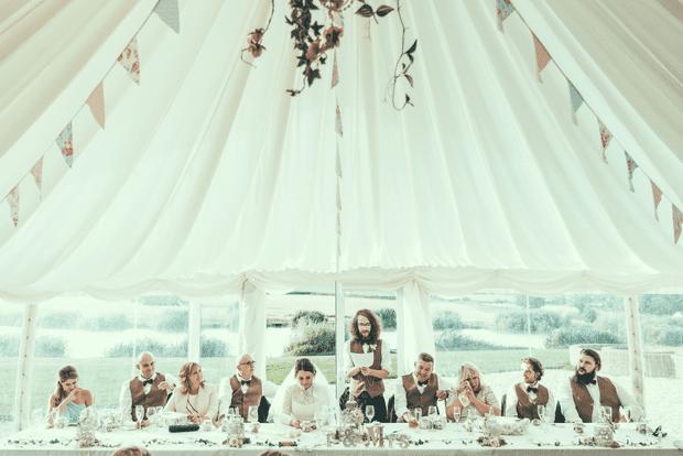 Chi tiền tỷ cho đám cưới chỉ để up ảnh Facebook, Instagram: Trào lưu mới của các cặp vợ chồng trẻ dưới áp lực sống ảo - Ảnh 3.