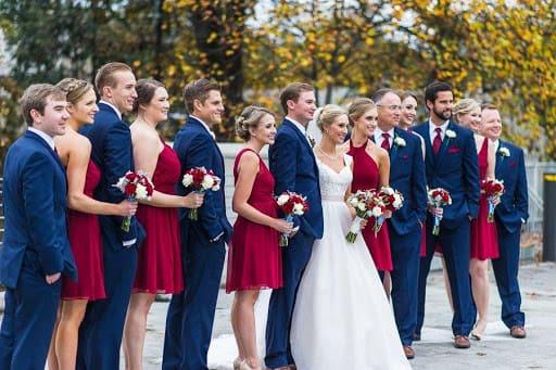 tiệc cưới ngoài trời tông đỏ-xanh