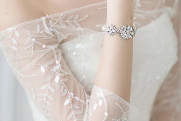 Vòng tay giúp cô dâu thêm phần duyên dáng trong ngày cưới