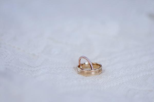 Nhẫn cưới là trang sức quan trọng trong ngày cưới