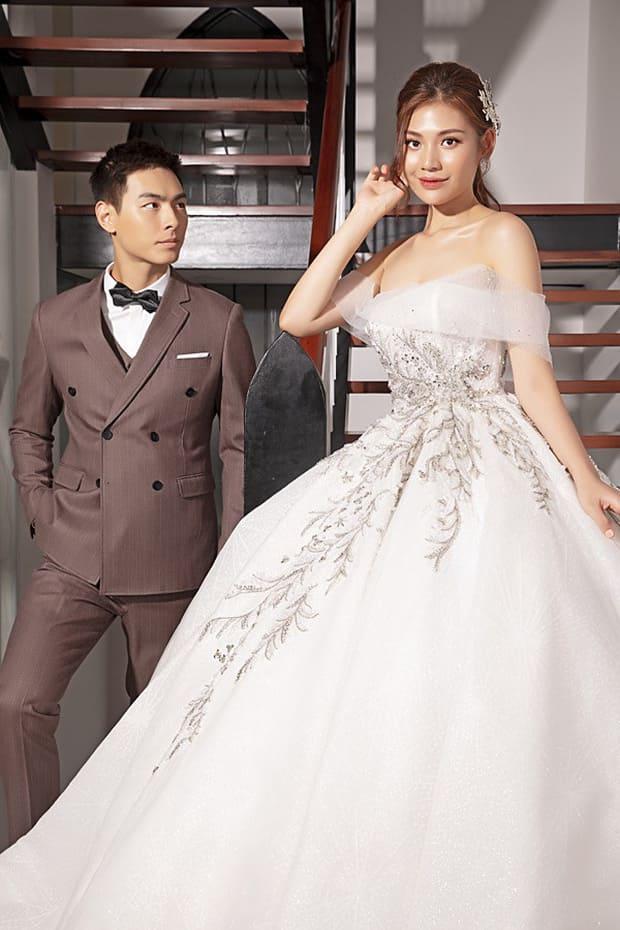 Tan chảy với bộ ảnh cưới lại từ đầu sau 2 năm về chung một nhà của Chúng Huyền Thanh và Jay Quân - Ảnh 5.