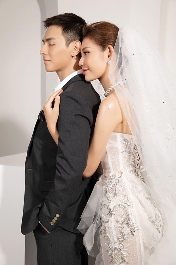 Tan chảy với bộ ảnh cưới lại từ đầu sau 2 năm về chung một nhà của Chúng Huyền Thanh và Jay Quân - Ảnh 7.