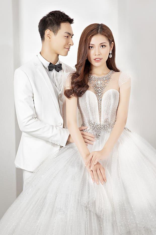 Tan chảy với bộ ảnh cưới lại từ đầu sau 2 năm về chung một nhà của Chúng Huyền Thanh và Jay Quân - Ảnh 10.