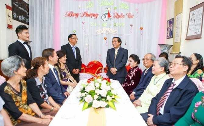 Hai gia đình sẽ cùng nhau nói chuyện, bàn bạc chi tiết về lễ cưới