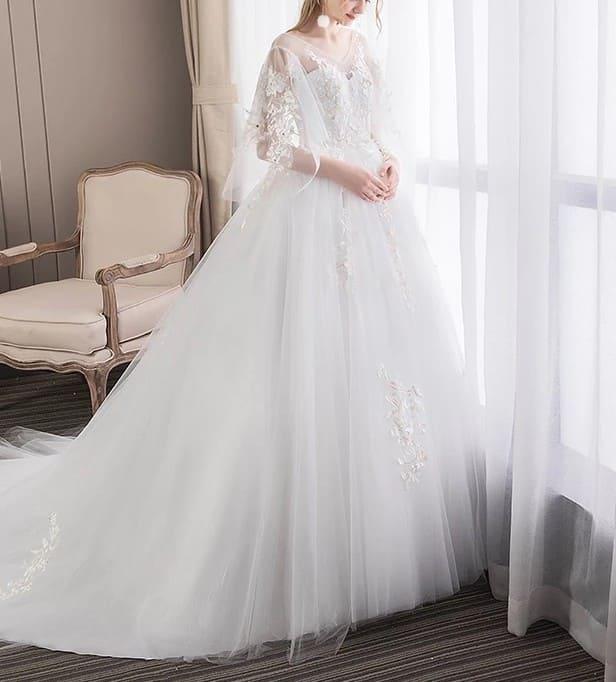 Váy cưới cho cô dâu mang bầu để trông vẫn thoải mái và sành điệu