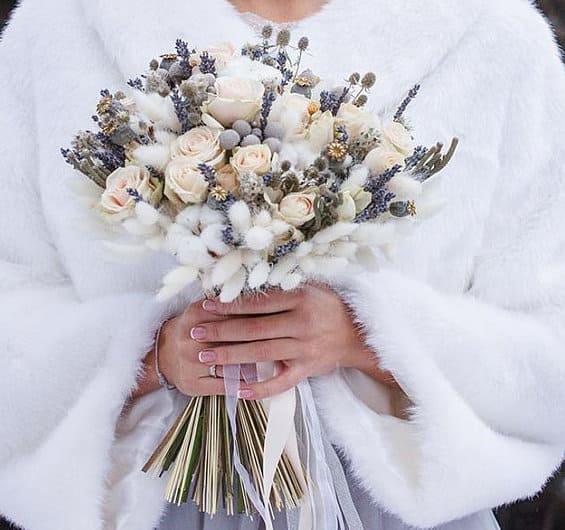 11 bó hoa cưới sáng tạo cho cô dâu yêu thích sự phá cách