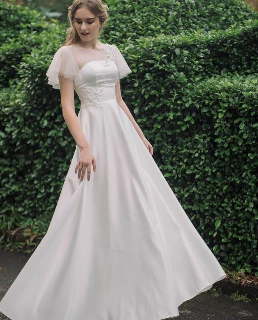 Chọn váy cưới cho cô dâu cao gầy những thiết kế có tay Mate