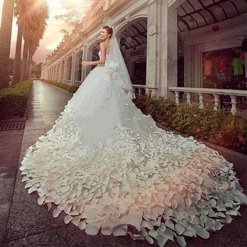 Một kinh nghiệm chọn váy cưới quan trọng là mặc những bộ đồ thoải mái Mate