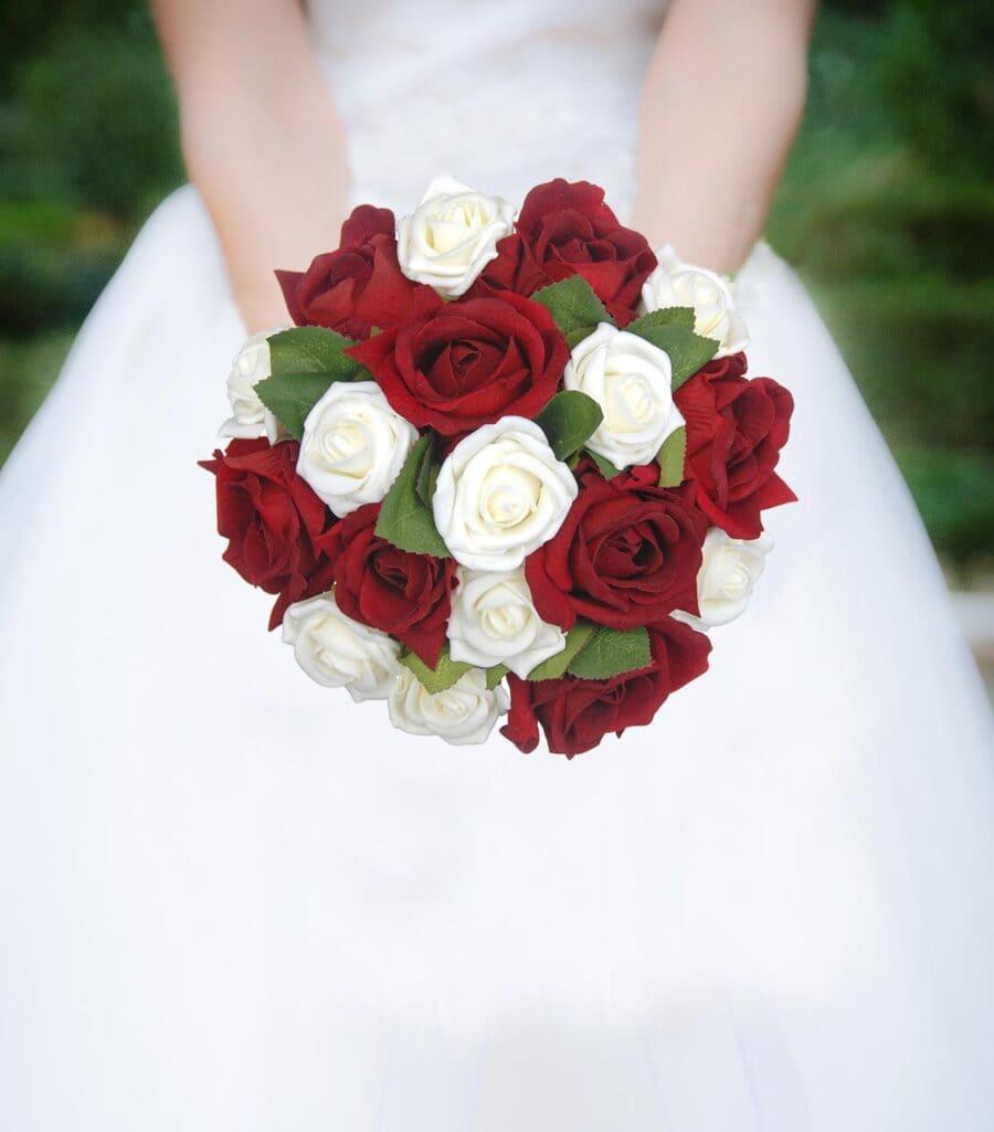 Ý nghĩa của hoa cưới hoa hồng