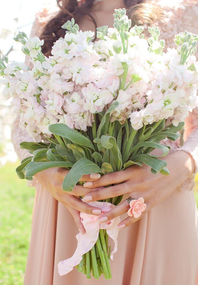 Ý nghĩa của hoa cưới hoa hoàng anh
