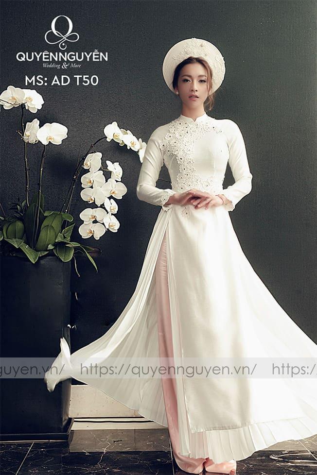 Áo dài cưới trắng đơn giản 4 tà Mate.vn