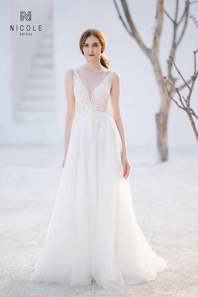 Chọn váy cưới cho cô dâu có dáng người quả táo Mate.vn
