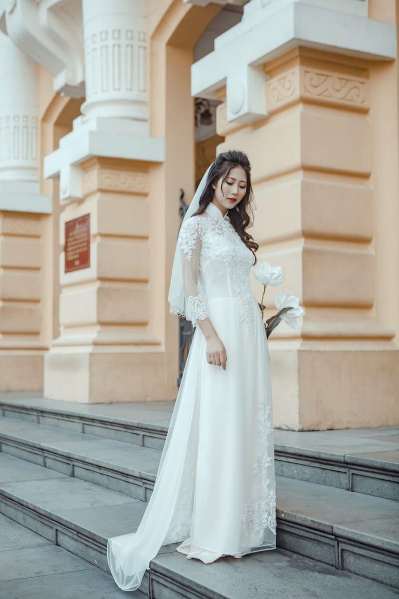 Quần của áo dài cưới đơn giản Mate.vn