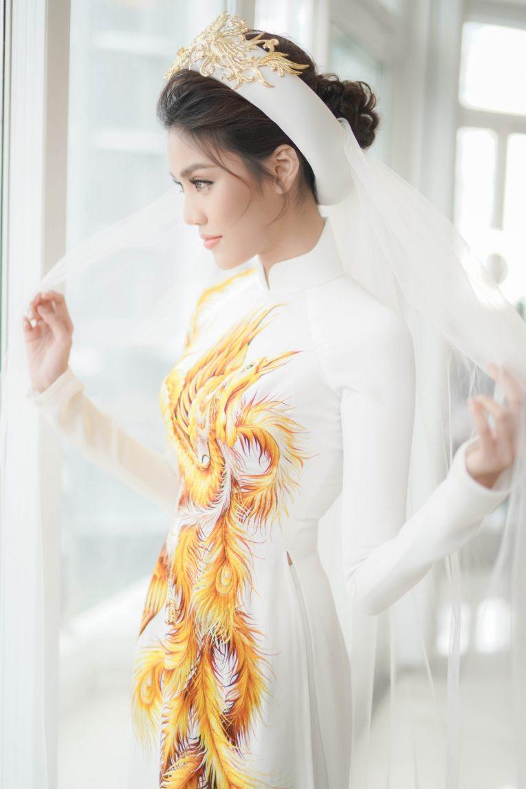 Trang điểm như thế nào khi mặc áo dài cưới đơn giản? Mate.vn