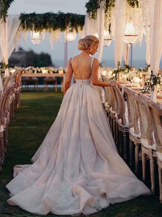 Trang phục ngày cưới Mate.vn
