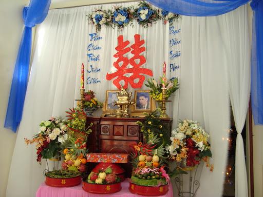 Lựa chọn mẫu bàn thờ gia tiên đám cưới cho ngày vui thêm trọn vẹn Mate