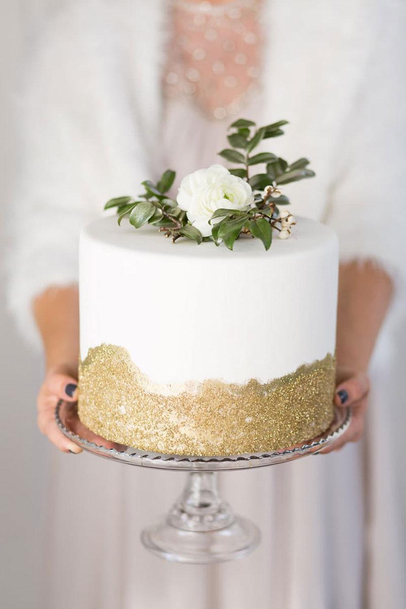 Những mẫu bánh cưới một tầng đơn giản mà ấn tượng