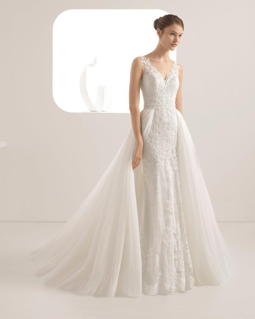Đầm cưới đơn giản cổ sâu Mate.vn