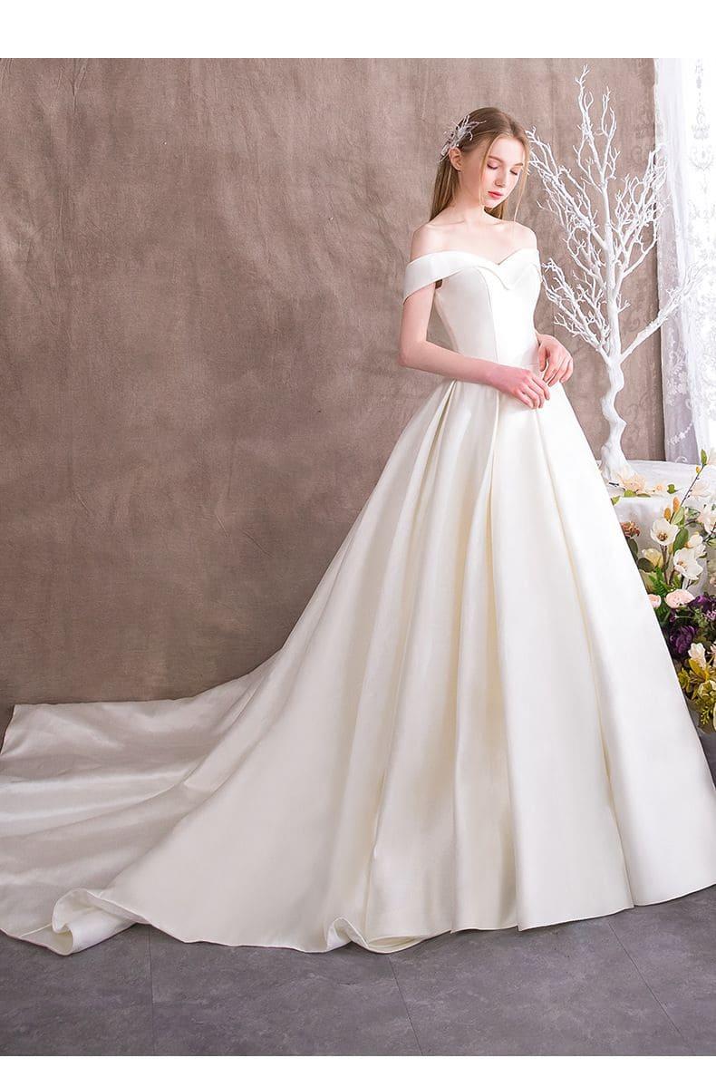 Đầm cưới trắng đơn giản Mate.vn
