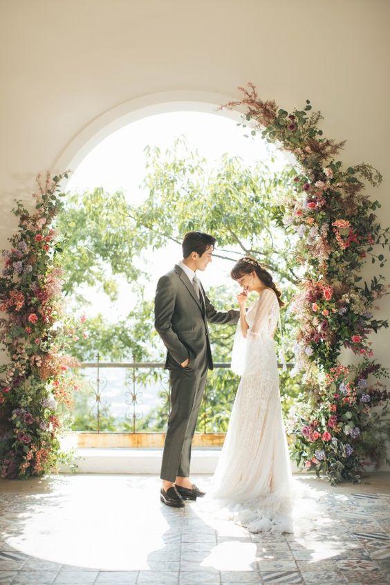 Phong cách chụp hình Hàn Quốc với hoa hồng lãng mạn Mate.vn