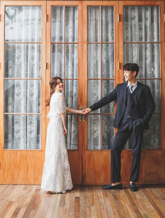 Phong cách chụp ảnh Hàn Quốc với khung cảnh trong nhà Mate.vn